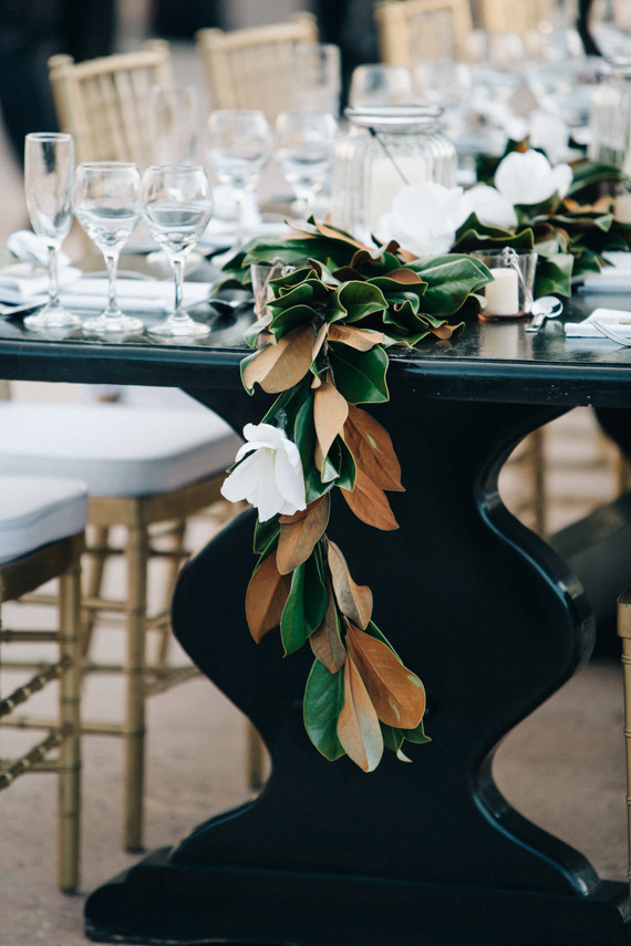 Magnolia leaf table garland