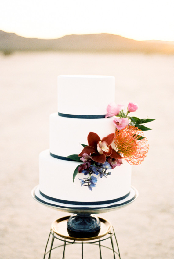 Tropical floral cake