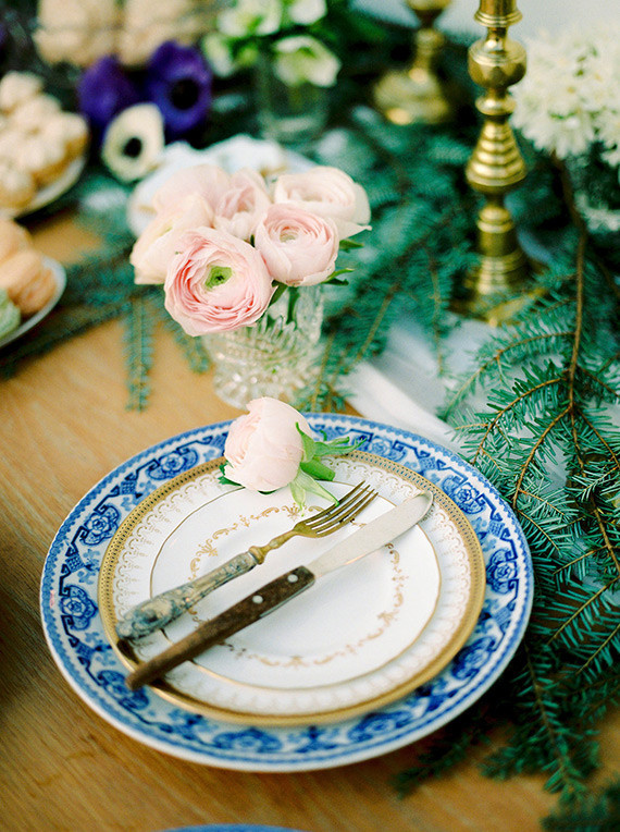 Royal blue place setting