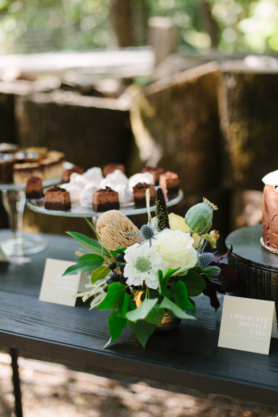 Outdoor dinner party desserts
