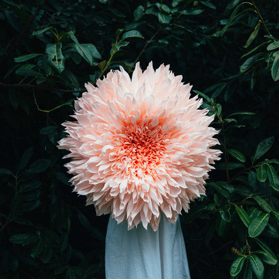 Paper flower wedding ideas diy paper flowers 100 layer cake oversized dahlia paper flower mightylinksfo