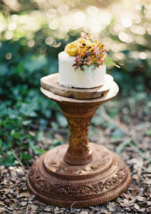 Rustic Fall cake with bronze stand