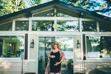 Cottage maternity photos