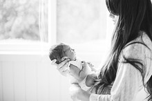 Lifestyle newborn photos by Brandi Welles