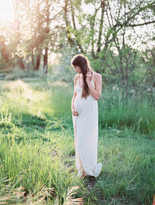 Simple bohemian maternity photos