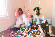 confetti family photos