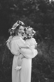 Mother and child maternity photos
