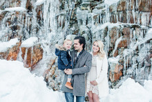 Snowy family photos in Canada