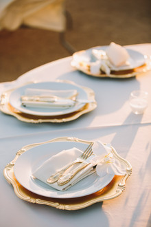 Old Hollywood glam wedding place setting