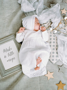 dreamy neutral newborn photos