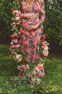 Floral pregnancy announcement