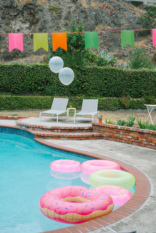 neon pool party ideas