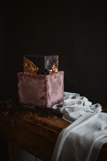 Plum wedding cake