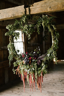 Fall wreath wedding decor