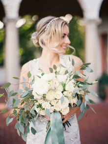 Romantic white bridal bouquet