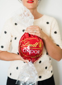 giant Lindt ball gift