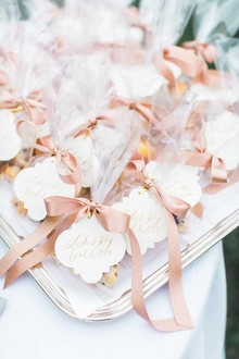 Romantic wedding favors