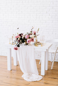 Romantic Valentine's Day table