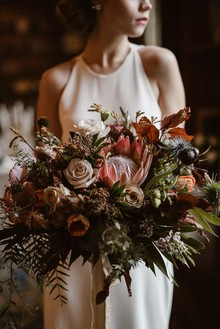 Moody bridal bouquet
