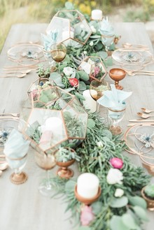 Gold tablescape