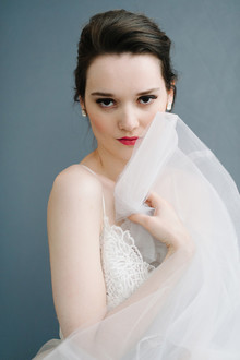 Modern bridal beauty