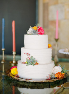 Desert wedding cake