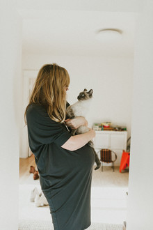 Simple natural light maternity photos
