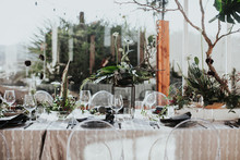 Modern wedding table
