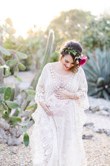 Modern mexican-inspired maternity photos
