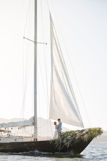 How to plan a sailboat elopement