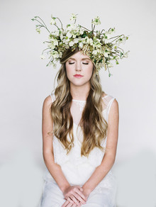 DIY floral accessories for your wedding
