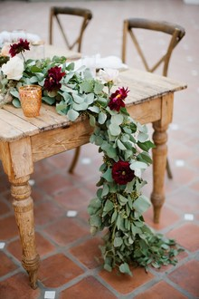 Long table garland