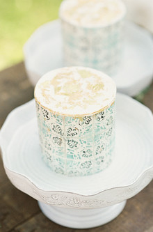 patterned wedding cakes