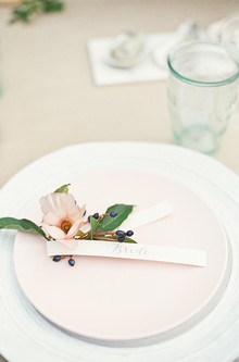 pale pink tablesetting