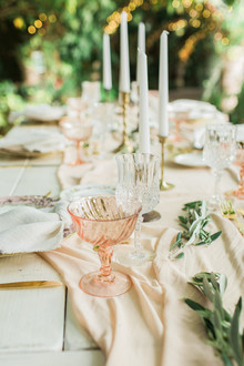 romantic neutral tablescape