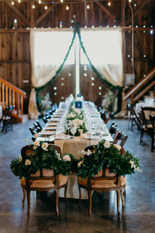 barn decor for wedding