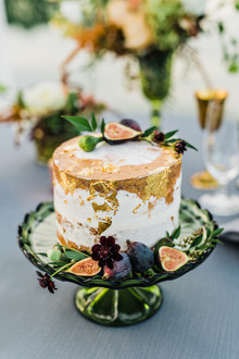 gold leaf fall wedding cake