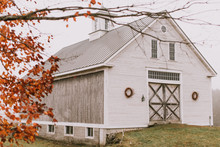 Moody fall barn wedding in Maine