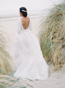 pastel seaside wedding inspiration on the Oregon Coast