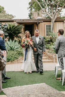 Modern tropical wedding at the San Diego Botanic Garden