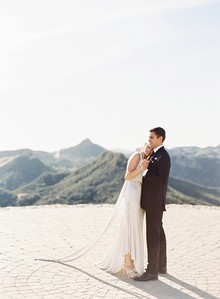 Elegant Valentine's Day wedding ideas at Malibu Rocky Oaks Estate