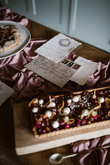 Moody mauve Valentine's Day and winter wedding ideas