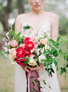 Bright ombre wedding bouquet