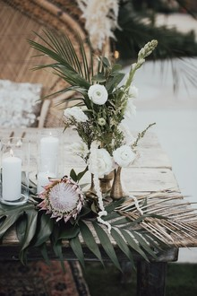 Tropical earth tone Palm Springs wedding at Colony 29