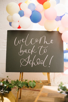 Modern back-to-school party from Beijos Events
