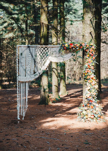 Whimsical woodland floral wedding inspiration with macrame details