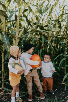Fall family photos at Kruger Farms on Sauvie's Island