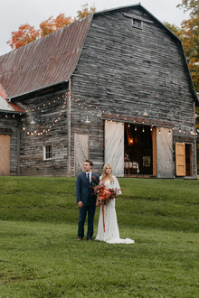 Autumn barn wedding in the Catskills with amazing florals