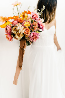 Colorful spring floral wedding in Southern California at Oakridge Farmhouse
