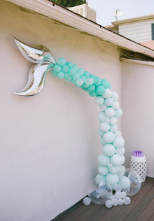 Under the sea themed balloon decor